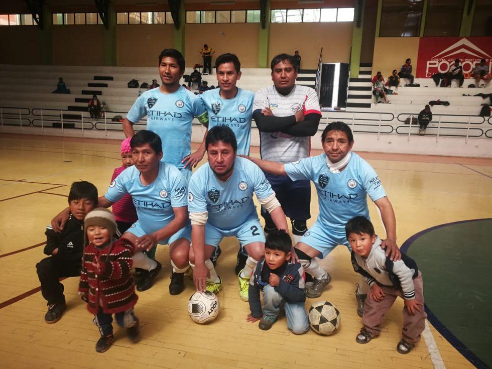 El equipo de Wayna Potosí.
