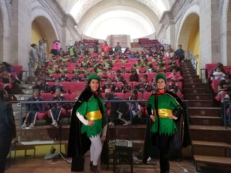 las actividades fueron en Teatro Modesto Omiste.