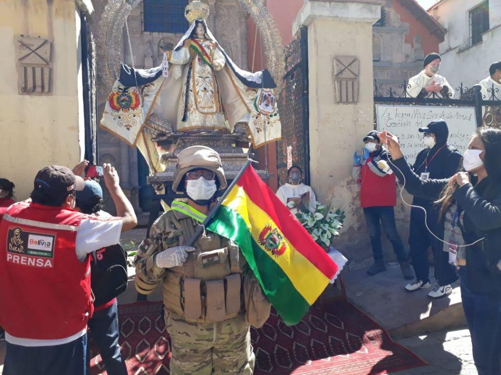 Militares realizan actividad de motivación contra el coronavirus II