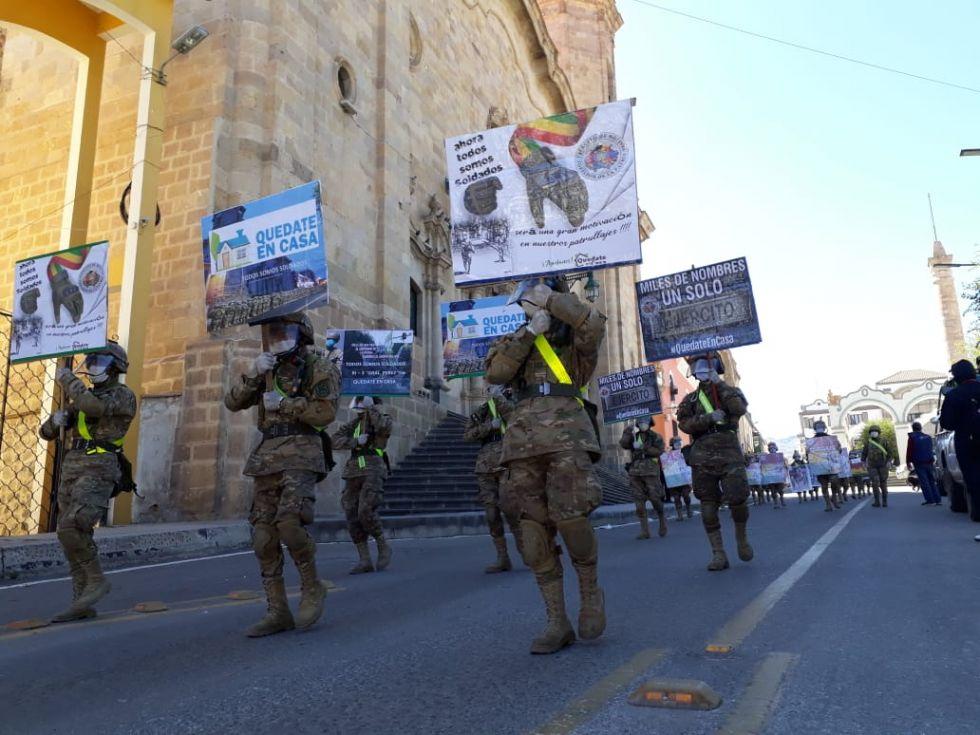 Militares realizan actividad de motivación contra el coronavirus III