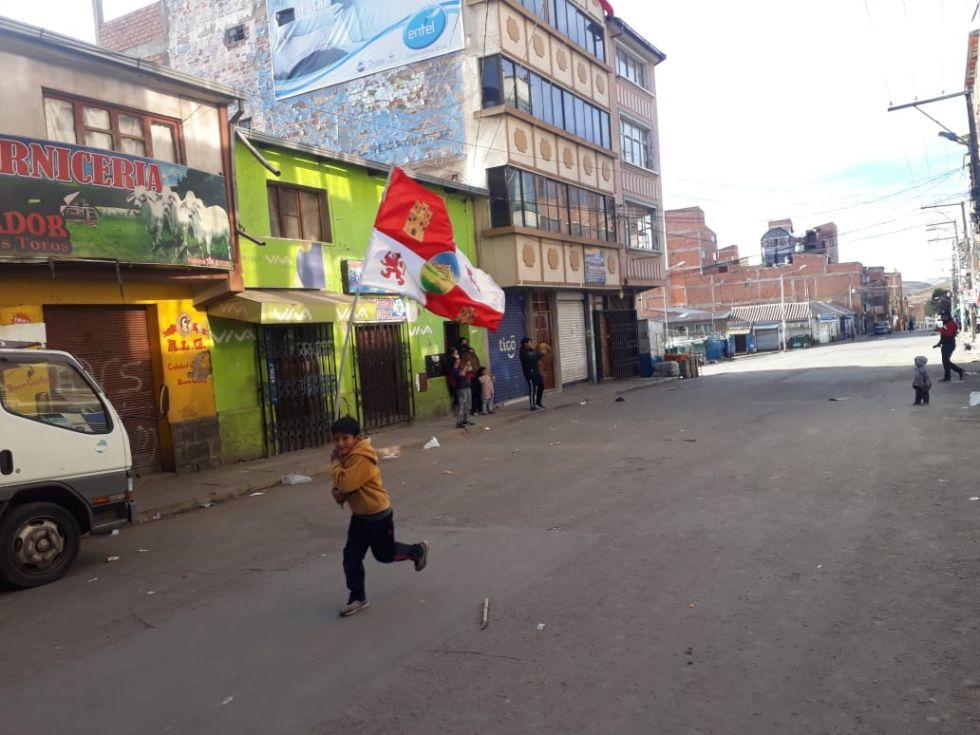 """Estas son las imágenes del """"cacerolazo"""" y """"petardazo"""" en demanda de un laboratorio COVID-19 para Potosí"""