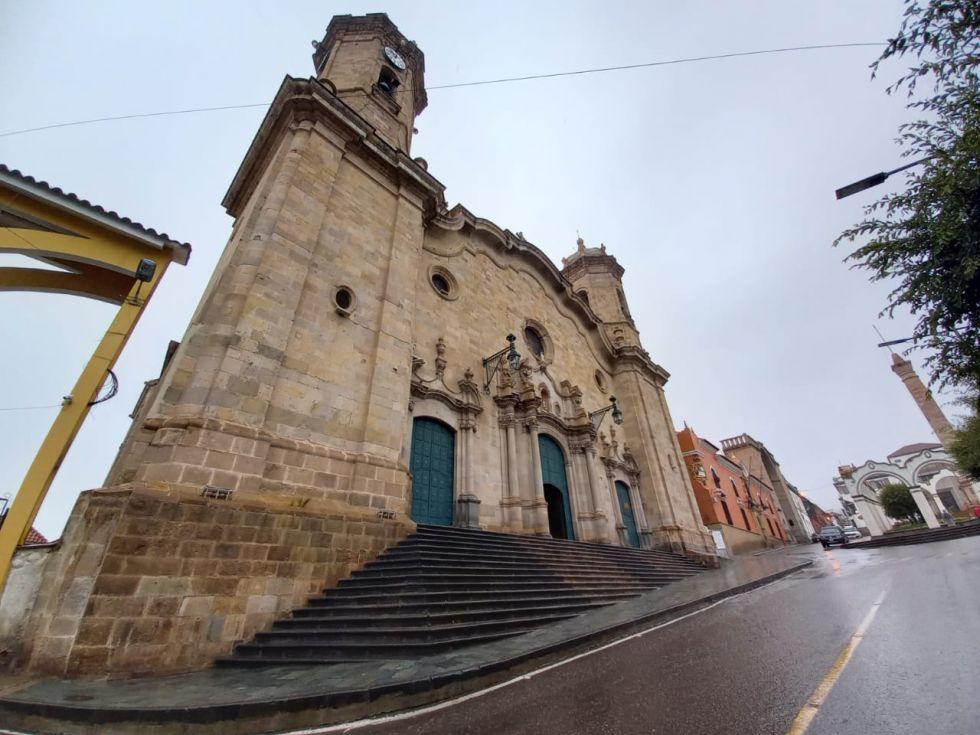 Postales de una mañana lluviosa y desierta en Potosí
