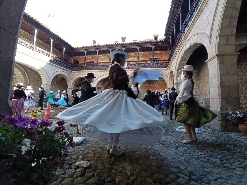 Ballet Cima de Plata cumple 13 años en Potosí